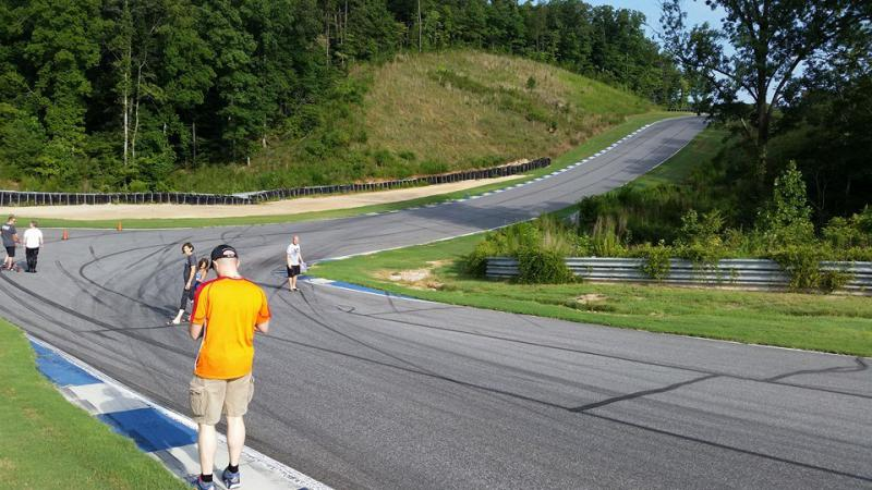 Click image for larger version  Name:08 T11 track walk.jpg Views:6 Size:77.5 KB ID:266329