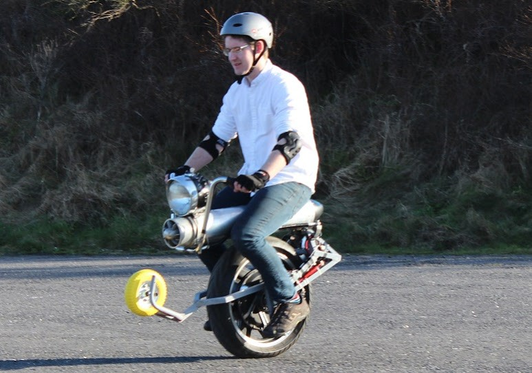 Click image for larger version  Name:Powered Unicycle.jpeg Views:8 Size:113.8 KB ID:286579